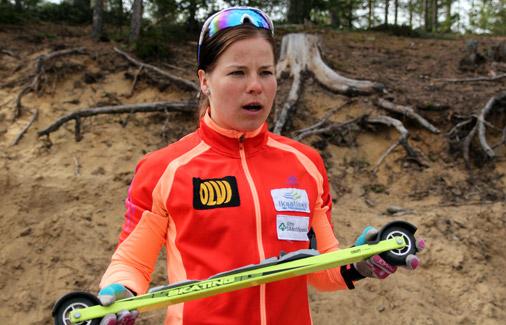 Krista Pärmäkoski antaa vinkkejä rullasuksen valintaan. Kuva: Heidi Lehikoinen