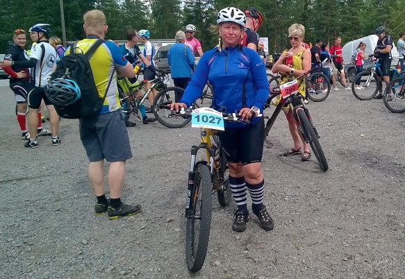 Arja Oja kävi jo viime vuonna katsomassa Jämi84:ää ja uskaltatui osallistumaan tällä kertaa.